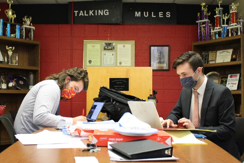 Talking Mules Capture State Championship in Speech and Debate